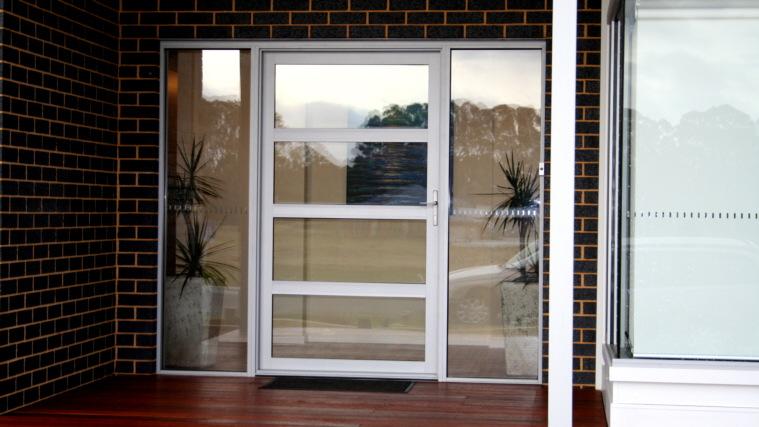 select hinged door